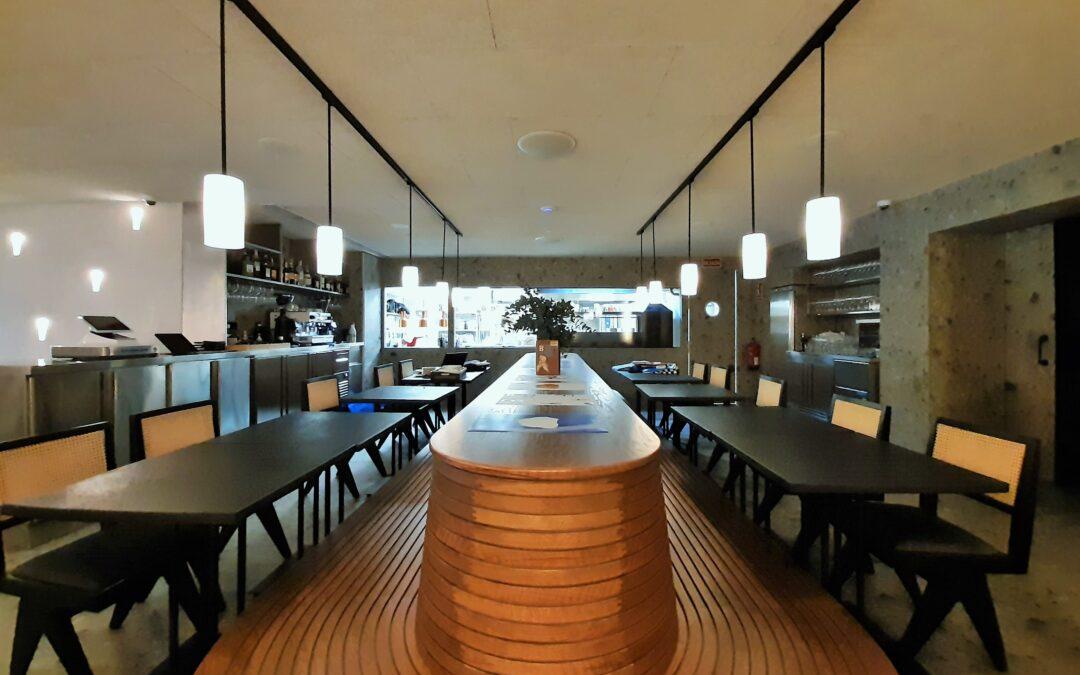 Fayer: fusión israelí-argentina en un gran restaurante, por GYC Espacios